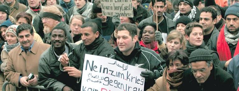 2003: Proteste gegen US-Überfall auf den Irak