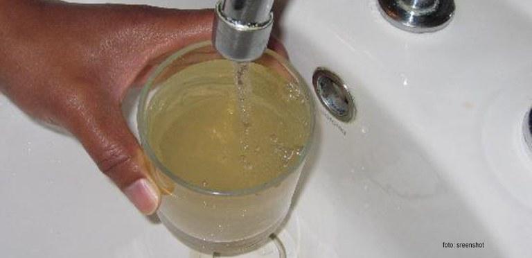 startseite_full-glass-of-dirty-water.jpg
