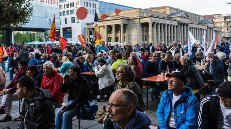 Stuttgart: Wahlkampfauftakt in der Hauptstadt des Auto-Kartells