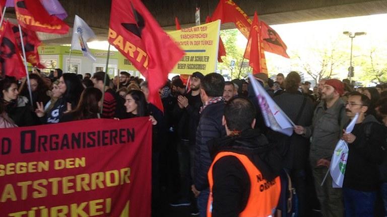 Bürgerkriegsübung gegen Solidarität mit dem kurdischen Befreiungskampf