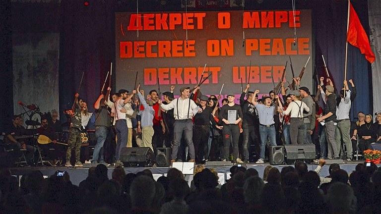 1050 Teilnehmer aus 60 Organisationen und 45 Ländern diskutierten beim Internationalen Seminar über 100 Jahre Oktoberrevolution