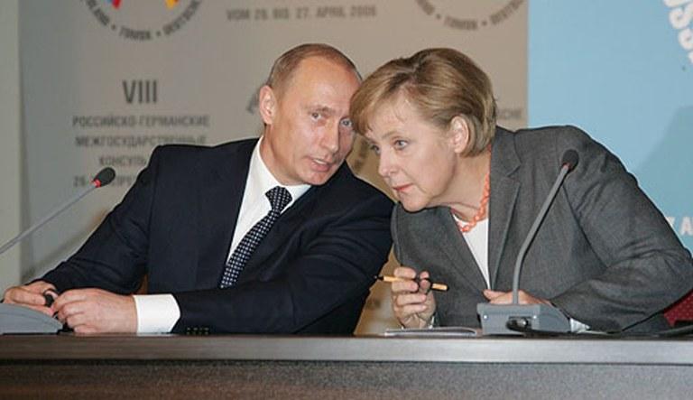 DKP - Russland - friedensstiftender staatsmonopolistischer Kapitalismus? Der Eiertanz von Willi Gerns
