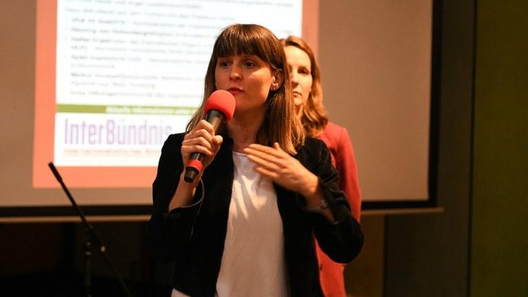 Offene Regierungskrise verschärft sich - MLPD fördert Gegenkraft gegen die Rechtsentwicklung der Regierung