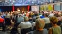 Über 400 Menschen bei Protestveranstaltung gegen Schließung des Kultursaals der Horster Mitte  Kritik an provokativem Auftritt aus der Gelsenkirchener Polizei