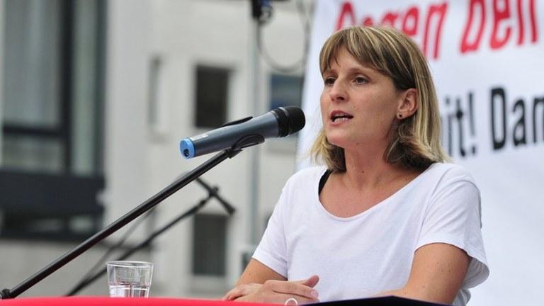 """Neues Interview mit Gabi Fechtner, Parteivorsitzende der MLPD:  """"Stimmungsumschwung formiert sich gegen die Rechtsentwicklung der Regierung:  Herausforderungen annehmen – Kräfte stärken!"""""""