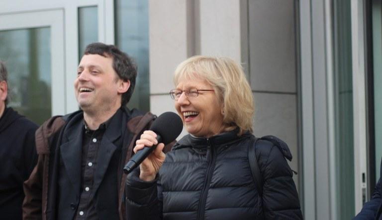 """Dürfen Großbanken politischen Parteien """"diskriminieren""""? MLPD erhebt Verfassungsbeschwerde"""