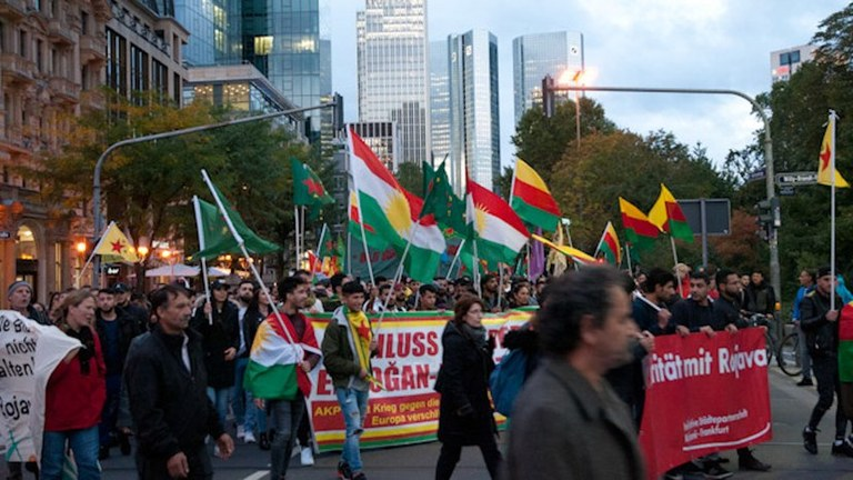 Rojava-Solidaritätsdemonstration: Gezielte Provokationen faschistischer Erdogan-Anhänger