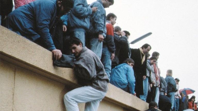 30 Jahre Mauerfall – Bilanz für die sozialistische Zukunft