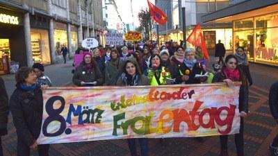 110 Jahre Beschluss eines Internationalen Frauentages: Der Kampftag für die Befreiung der Frau ist aktueller denn je!