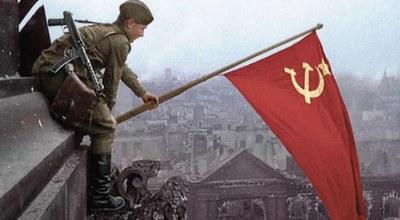 """Nur für Rassisten, Antikommunisten, Faschisten und Ultrareaktionäre ist der 8. Mai ein Tag der """"Niederlage"""""""