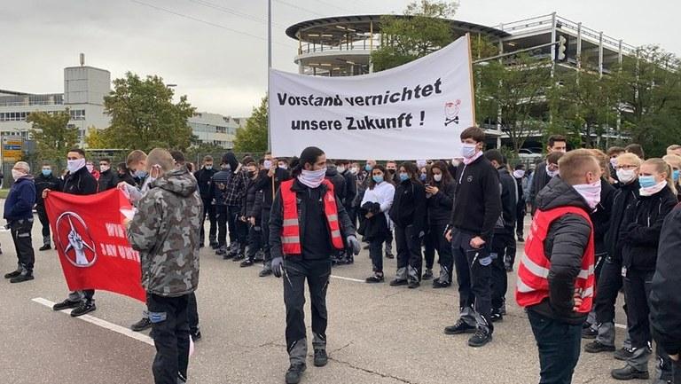 Generalangriff des Vorstands auf die Beschäftigten und die Natur  4.000 Arbeiter protestierten am 8.10.20 dagegen  MLPD unterstützt konzernweiten Kampf der Arbeiter und Angestellten