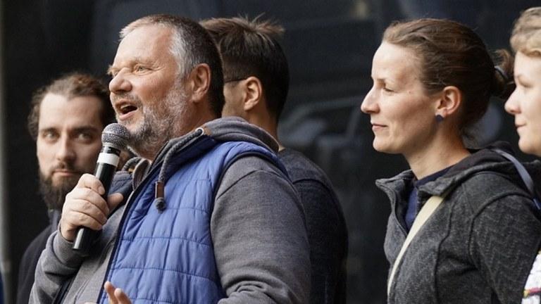 """Stefan Engel klagt gegen politisch motivierte Einstufung als """"Gefährder"""""""