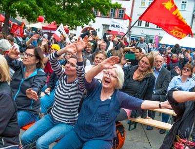 Internationalistische Liste / MLPD tritt mit 16 Landeslisten und mehr als 140 Direktkandidatinnen und -kandidaten zur Bundestagswahl an