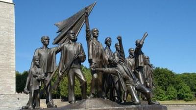 8.Mai: Kundgebungen und Gedenkfeiern