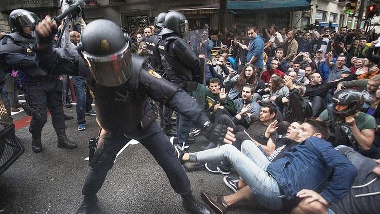 """Die neuen Polizeigesetze: Notstandsrecht jetzt auch ohne """"Notstand"""""""