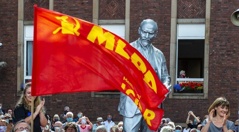 "Lenin is in Gelsenkirchen: ""Today we set a clear signal against anticommunism!"""