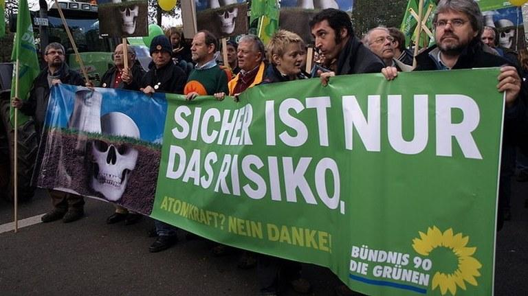 Leserbrief zum Grünen-Parteitag: Abschied von grünen Idealen endgültig