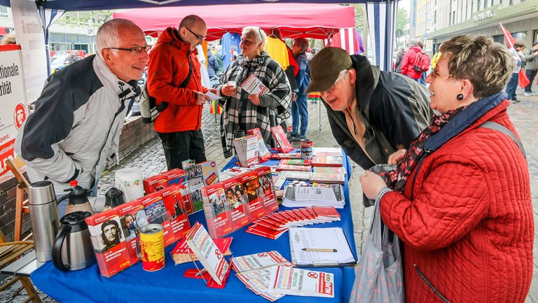 Stand der MLPD in Duisburg, Foto: Rote Fahne